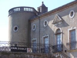 Chateau de Lézan camping Mas des Chenes